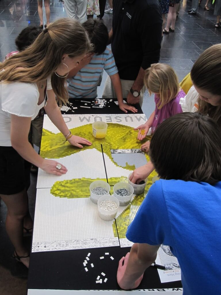 lego-large-group-event-vmfa-mosaic-build-3